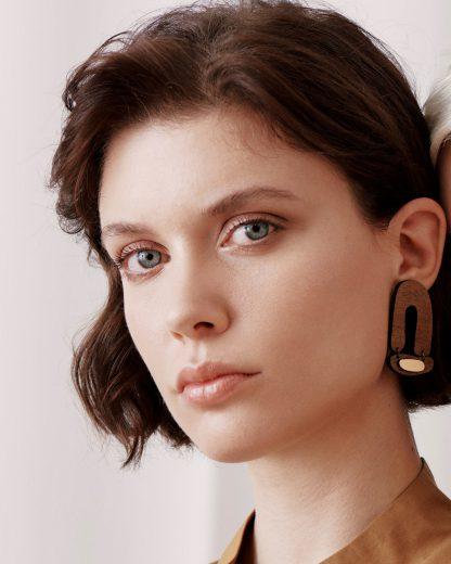 Small arch earrings